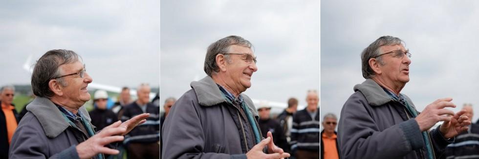 Meteorologe Erland verkündet die Wetterprognose beim Feldbriefing.
